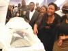 dhewa-wife-near-coffin