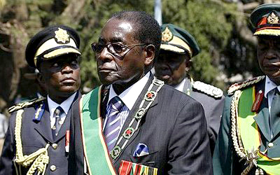 http://nehandaradio.com/wp-content/uploads/2009/10/robert-mugabe-with-zim-army1.jpg