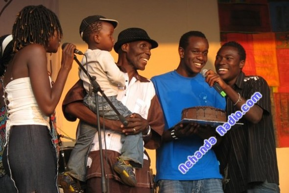 Selmor, Brooklyn, Oliver, Sam Mtukudzi, and a friend at Oliver's birthday party, September, 2008