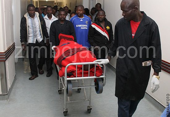 The body of the late Sungura great Tongai Moyo being taken away from hospital