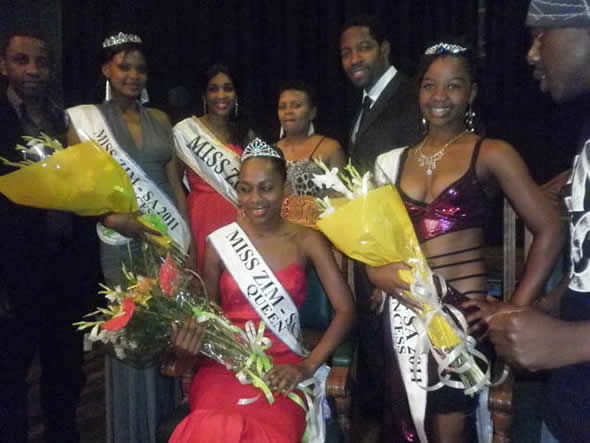 Miss Zim-SA 2011 Vimbai Grace Sithole, centre, flanked by her 1st Princesses Samantha Kudzai Nyamapanda (left); and 2nd Princess, (right). Behind them is Miss Zim-SA 2010, Busisiwe Ncube and some of the Judges