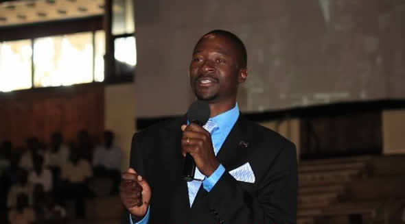 Popular evangelist Emmanuel Makandiwa has prophesied the imminent death of someone he says has deprived people of their freedom in the country.
