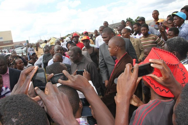 Tsvangirai assesses Ruwa demolitions