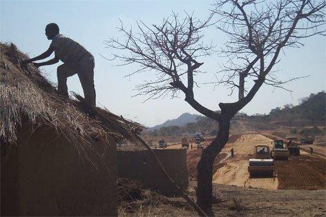 Hundreds stranded in Mwenezi after dam evictions