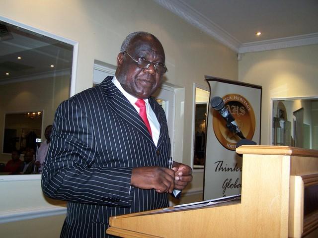 Giles Mutsekwa