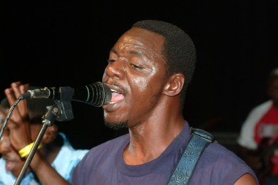 Macheso pledges to support flood victims