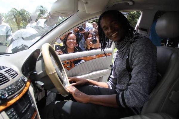Handei Ku Gochi Gochi: Jah Prayzah with his Mercedes