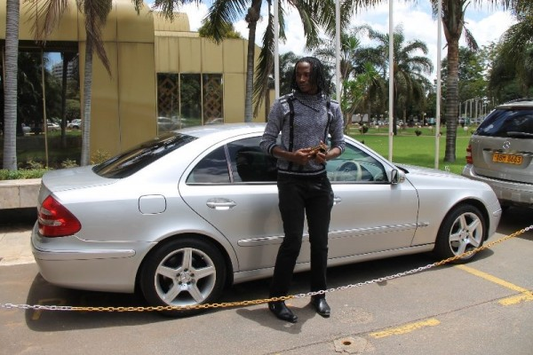 Zanu PF businessman Esau Mupfumi pays debt to Jah Prayzah with Benz