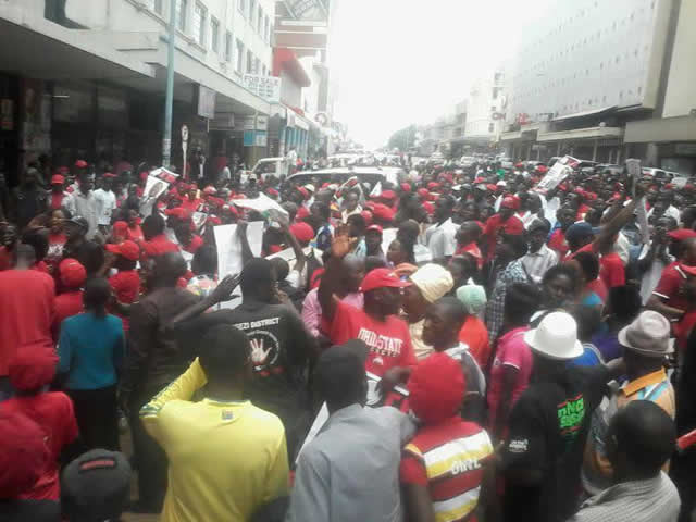 Tsvangirai supporters besiege Harvest House