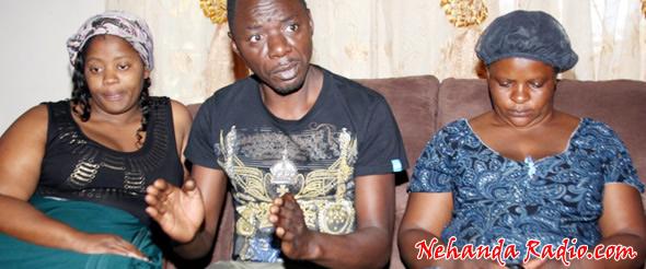 Alick Macheso with wives Tafadzwa and Nyadzisai