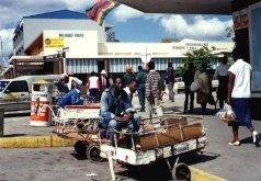 Push cart vendor in Masvingo