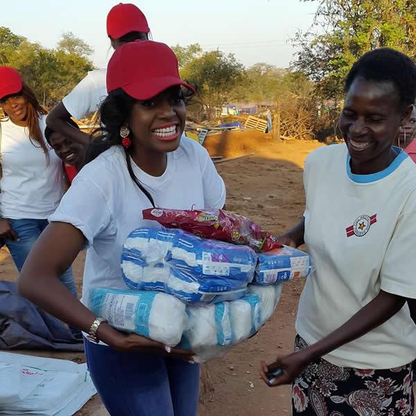 Makosi donates sanitary pads in Tokwe Mukosi