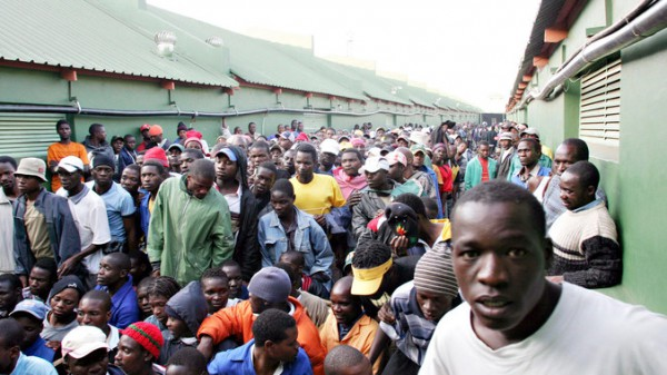 Illegal immigrants are transported from the Lindela Repatriation Centre to Zimbabwe (Gallo Images)