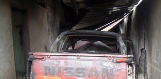 Tsaurai Stemere's burnt vehicle (Picture by Southern Eye)