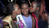 Kiss the Queen: Second Princess Chengetayi Mnisi (left) and First Princess Chantelle Jeradi congratulate winner Sheila Chikengezha. (Picture by T. NDABAMBI | ZIMBOJAM.COM)