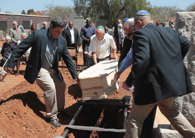 Eric Bloch laid to rest