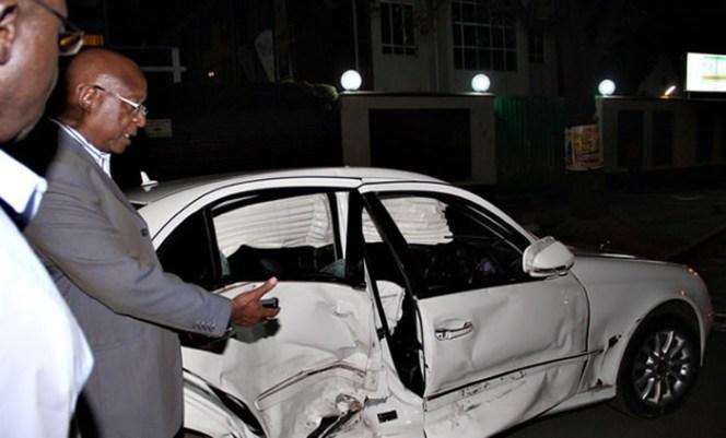 Minister Emmerson Mnangagwa's accident damaged car