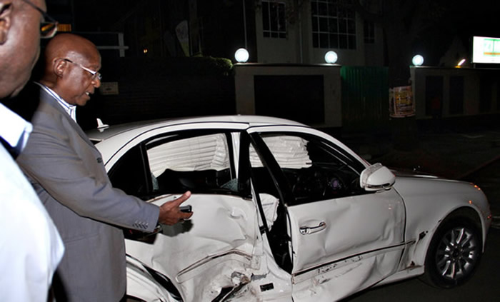 Minister Emmerson Mnangagwa's accident damaged car