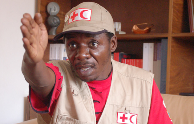 Take a Hike: Alick Macheso seems to be saying: Picture by Takawira Dapi