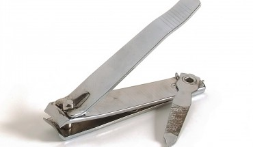 Nail-cutter circumcision: Father gets community service for endangering two sons