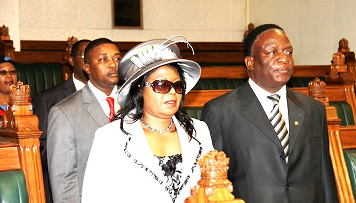 Emmerson Mnangagwa (right)