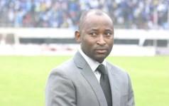 Football legend Peter Ndlovu robbed