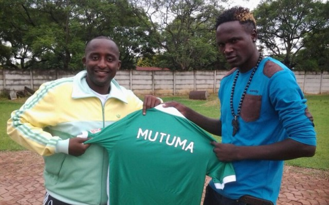 Roderick Mutuma being unveiled as a Caps United player