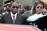 File Picture of President Mugabe and his wife Grace (REUTERS/Philimon Bulawayo (ZIMBABWE)