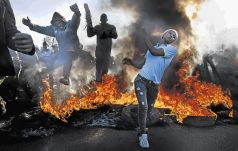 Police Minister Nkosinathi Nhleko says it is not necessary to deploy the army to deal with xenophobic violence, adding that it's important to fight off xenophobic attitudes in society.