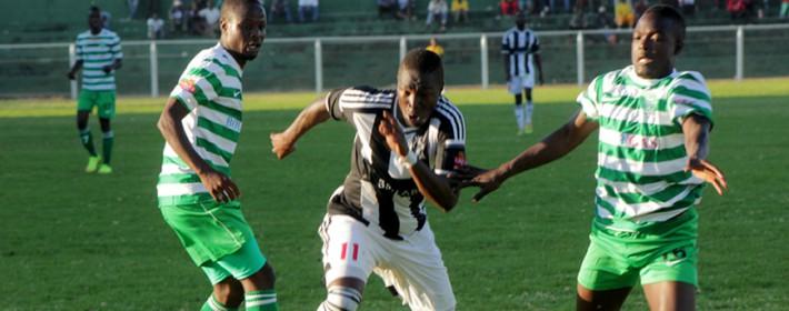 Obadiah Tarumbwa weaves his way past two FC Platinum players at Mandava Stadium yesterday afternoon