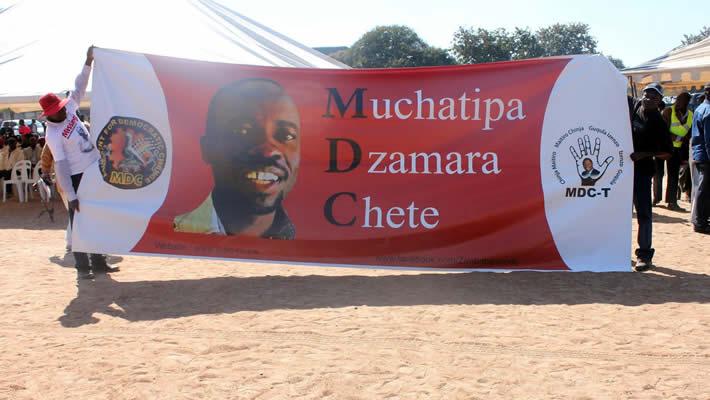 Banner demanding the release of Itai Dzamara