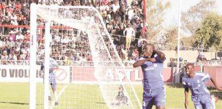 Dynamos striker Takesure Chinyama celebrates
