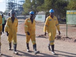 File picture of workers at the Mimosa Mine in Zvishavane