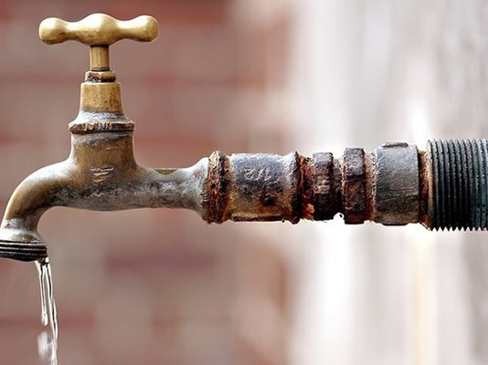 Harare drags Norton to court over water bill