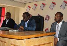 Movement for Democratic Change (MDC) leader, Morgan Tsvangirai (centre) with party spokesman Obert Gutu (left) and Secretary General Douglas Mwonzora (right).