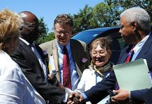 Fay Chung (second from right) Photo: Harare US Embassy