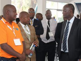File Picture: Zimpapers CEO Pikirayi Deketeke (second from left) stresses a point to the then Minister of Information, Media and Broadcasting Services Professor Jonathan Moyo