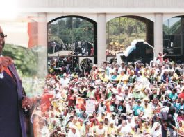 President Mugabe addressing Zanu PF supporters at the party's headquarters in Harare