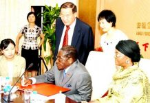 Mugabe signing off Zimbabwe diamonds to the Chinese