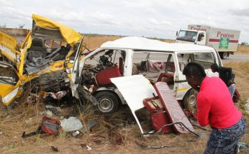 Twelve people died on the spot, while three others succumbed to their injuries on the way to Chitungwiza Central Hospital following a head-on collision involving a commuter omnibus and a Hino truck near Dzandura Village along the Harare-Hwedza Road in Seke on Thursday night. —(Picture by Tawanda Mudimu)
