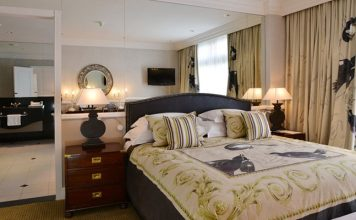 Miekles Hotel suite in Harare