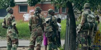 File picture of Zimbabwean soldiers patrolling the streets of Glen View in Harare