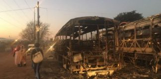 Residents also woke up to burnt buses in Pretoria's Mamelodi suburb
