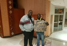 The fan Antony Gwende was given US$1 000 by Sir Wicknell after waving a placard requesting that amount at the National Sports Stadium on Sunday with an instruction for the money to be deposited in his Ecocash account.