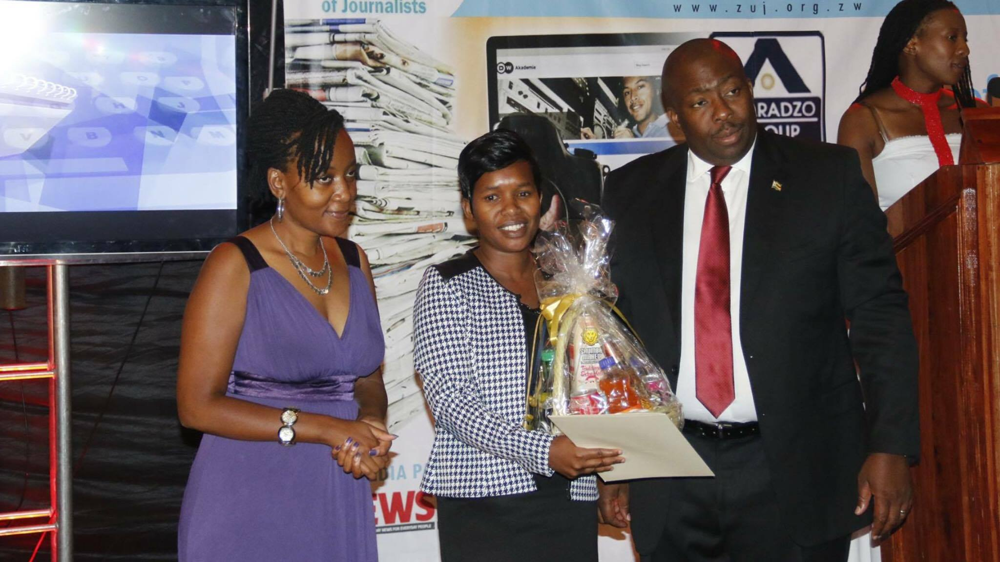 Elizabeth Blessie Mupfumira been photographed in the company of Saviour Kasukuwere, the Zanu PF national commissar.