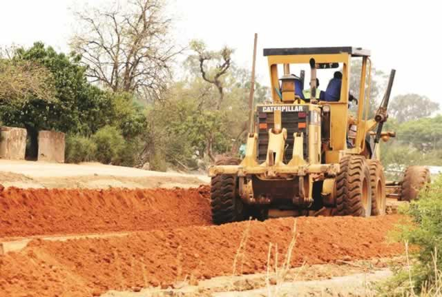 bulawayo city council-caterpillar-land