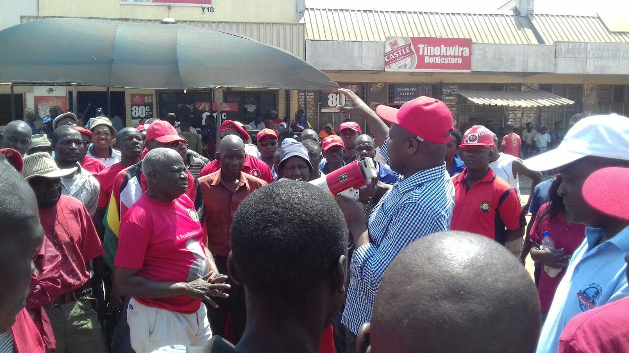 MDC-T MP Amos Chibaya addressing a Nera demo in Mkoba Gweru