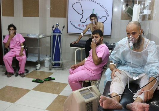 Syria conflict: Government helicopters 'drop chlorine' on Aleppo