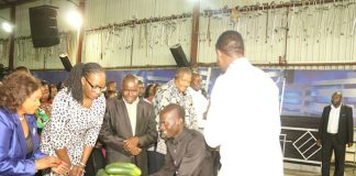 Prophetic Healing and Deliverance (PHD) Ministries' leader Walter Magaya last week distributed cucumbers from his farm in the church to demonstrate his farming prowess.