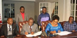 Tsvangirai and Mujuru form alliance to challenge Mugabe